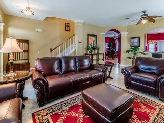 Lovely 6 Bed 4 Bath Pool Home with South facing Pool in Windsor Hills Resort, Kissimmee