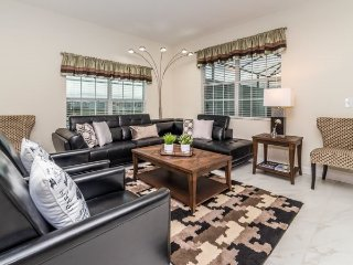 Elegant 5 Bed 4 Bath Townhome with Pool in a Fabulous Resort. 4821CS, Kissimmee
