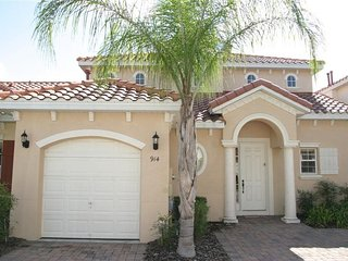 4 Bedroom 3.5 Bath Pool Home with Games Room. 914BD