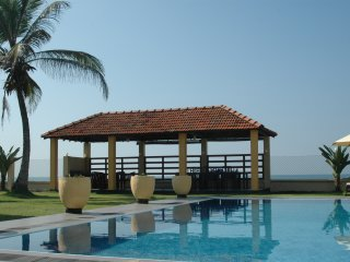 Summerhut and swimming pool in the ocean front garden