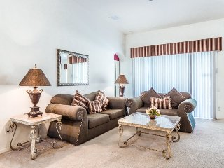 4 Bedroom 3 Bath Villa in the Gated Windsor Palms Just Minutes to Disney, Orlando