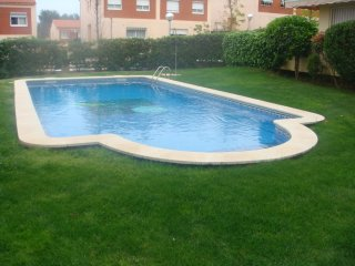 Green residential, with garden, barbecue and pool, Salou