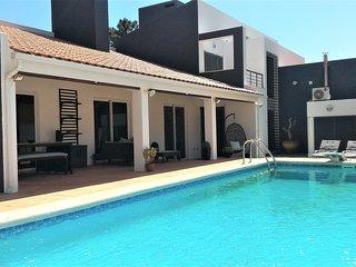 Villa, garden, Pool, WiFi  near beach / Lisbon / Aroeira Golf, Verdizela