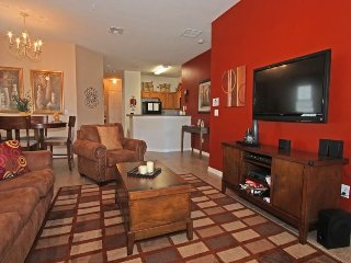 2825OD. Beautiful 3 Bedroom 2 Bath Condo Located 1.5 Miles From Disney