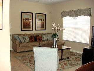 4 Bedroom 3 Bath Town house in Kissimmee Resort. 8972CPR