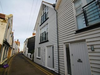 Sea Wall Cottage, Whitstable