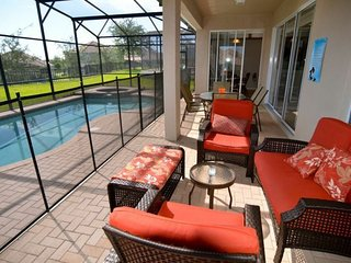 Lovely 5 Bedroom 4.5 Bath Pool Home in the Windsor Hills Resort. 7783TB