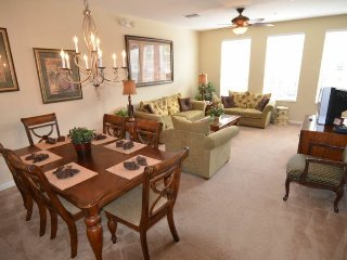 5038TVC-20. Luxurious 3 Bed 3.5 Bath Town Home Located in Vista Cay