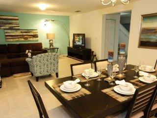 4 Bedroom 2.5 Bathroom Villa in Crystal Cove. 947EGC