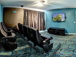 Exclusive 4 Bedroom 3 Bathroom Home With 3-D Movie Theater. 139EP, Orlando