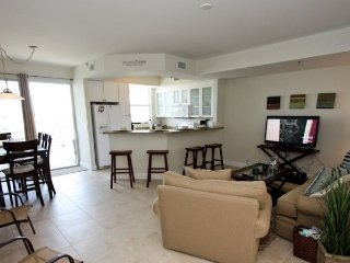 425LH. Waterfront 3 Bedroom 3 Bath Townhome in Ruskin FL