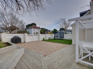 Family friendly holiday home in centre of Sandbanks