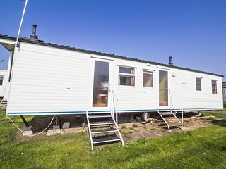 Ref 23043 Sandringham, 3 Bed 8 Berth, close to facilities, Manor Holiday Park.