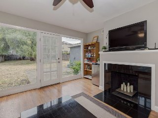 Minutes to Techs & Stanford Uni! Cozy 2BR House