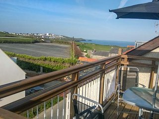 LA MER, over 3 floors, central, woodburning stove in Newquay, Ref 948083
