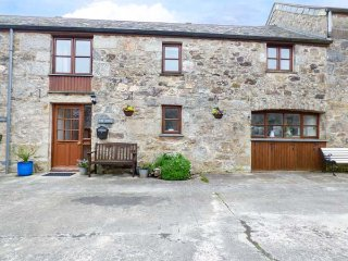 FORGE COTTAGE, terraced, rural setting, WiFi, near Newquay, Ref 956221
