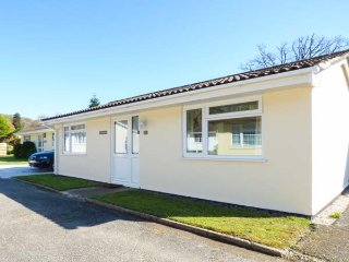 STREAMSIDE bungalow, peaceful location, pet-friendly, Liskeard, Ref 957734