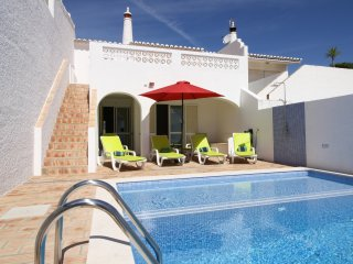 'Casa Maresol' has 3 bedrooms, private pool and the beach is a 3 minute walk !