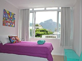 Luxury apartment in Ipanema C026