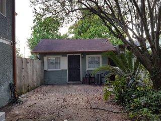 Creole Cottage, stylish studio w/ WiFi in walkable neighborhood