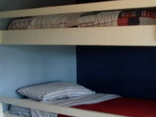 Single Bed near South Beach and Downtown: Hostel: 2