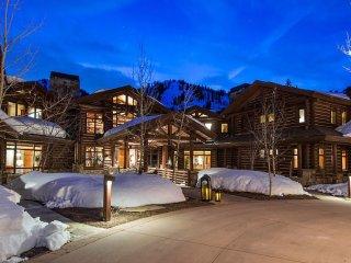 Peak 5 Colony Mountain Lodge + Concierge Services