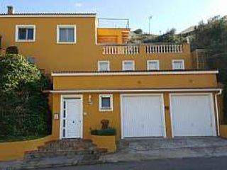 Magnífica villa frente al mar en el puerto de Mahón, en urbanización Cala Llonga