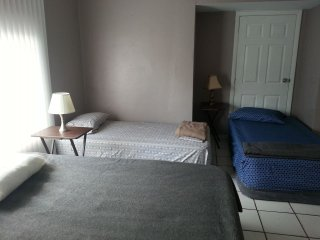 Twin bed in Central Miami - Bed 1a