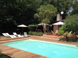 Villa golf de Bordeaux-Cameyrac, piscine et tennis - 8 à 11 personnes, Saint-Sulpice-et-Cameyrac