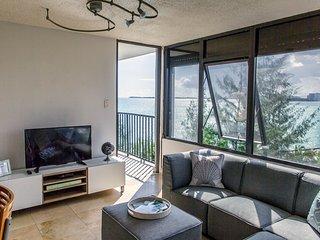 NEW Breathtaking Ocean View Apartment