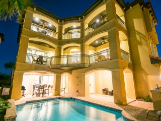 Gorgeous Casa Oceana ~ Private Pool and Steps Away From Beach!