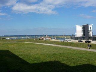 FeWo mit Yachthafen- und Fordeblick - nur 100 m zum Strand und Hafen