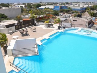 Amalfi 204 - Three Bed Three Bath - roof-top pool with partial ocean view