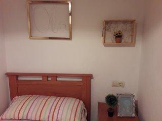 Casita de dos dormitorios en pleno casco historico de Muros