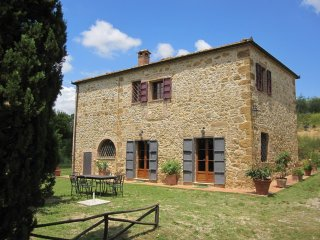 Villa Banditello, secluded in the country, panorama over Montepulciano valley.
