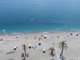 Velilla Beach App. vista mar, WiFi, A/C, primera linea de la Playa,