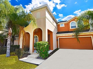 Luxury Bella Vida 6 bedroom 5.5 bath home from $150nt