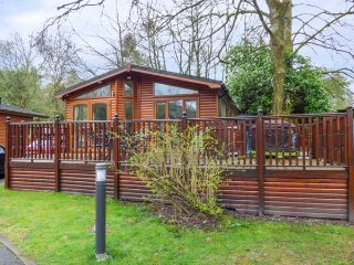 CONISTON NUMBER 9, detached lodge, single-storey, en-suite, on-site leisure