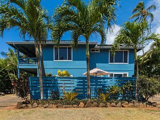KOALI SURFRIDER 2 BEDROOM HOME STEPS TO THE BEACH IN SUNNY POIPU***WOW***
