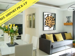 TRIP X *TST*PERFECT LOCATION*NEW*MODERN*MTR*QUIET*LUXURY*3bed2bath, Hong Kong