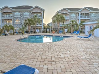 Central 2BR Condo w/Pool Access & Golf Course View