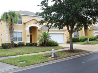 8 Bedroom Villa with Pool/SPA/WiFi, 3 mi to Disney