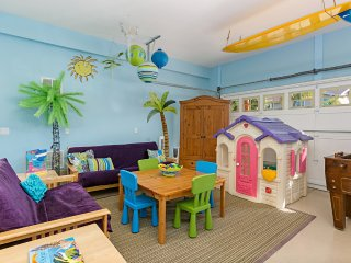 Walk to beach, 4Bdr + Playroom!