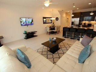 Elegant 3 Bedroom 3 Bath Town Home with a Pool in Serenity at Dream Resort, Kissimmee
