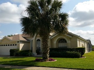 Orange Tree 4 Bedroom Pool Home with Games Room. 3012SHC, Clermont