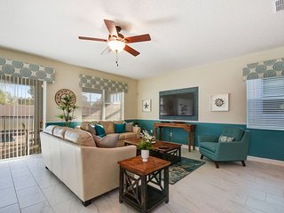 Gorgeous 4 Bed 3 Bath Town Home in Champions Gate Golf Resort. 1542MVD, Loughman