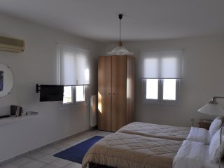 Large studio with your single beds