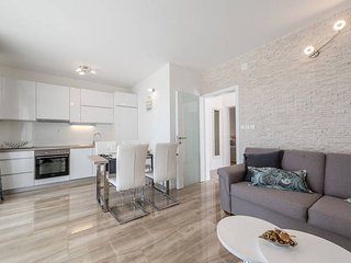 Villa Zora 1 luxury apartment for 6 people