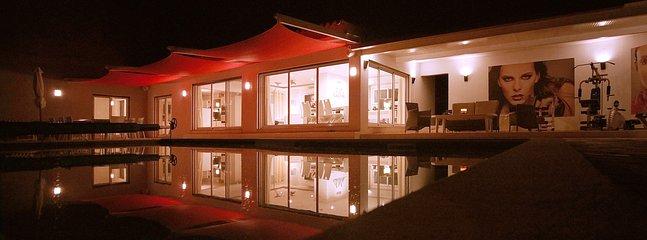 Notte in piscina