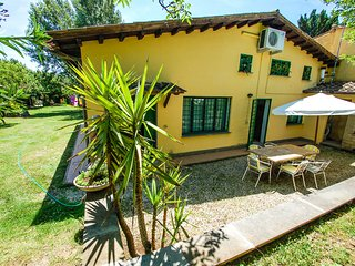 Semidetached house with shared pool, walking distance from shops, restaurants., Monterosi